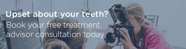 dental treatment advisor taking photos
